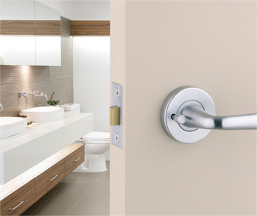 locksmith sherbrooke - changed bathroom door lock